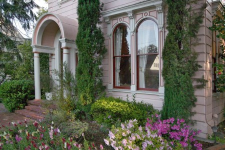 Camellia Bed and Breakfast Inn